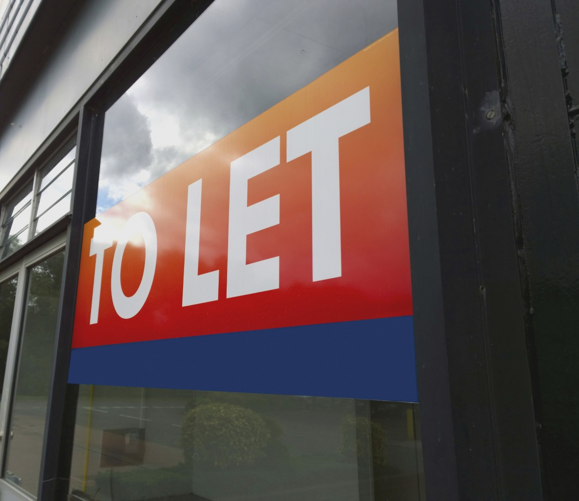 To Let sign displayed in the window of a commercial property