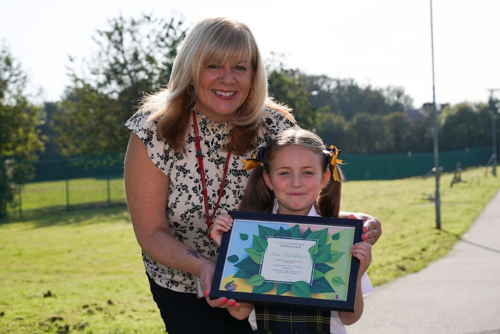 Cllr Shelley Powell with litter hero Ava